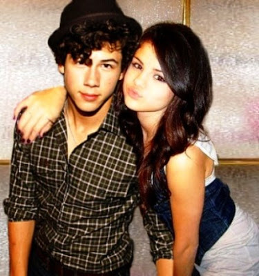 Retos On Rol Nick+y+Selena16