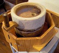 石臼でコーヒー豆挽くの!?