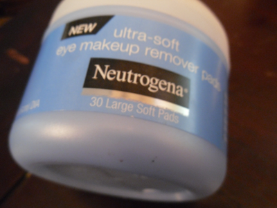 the last thing is Neutrogena's Eye Makeup remover pad.