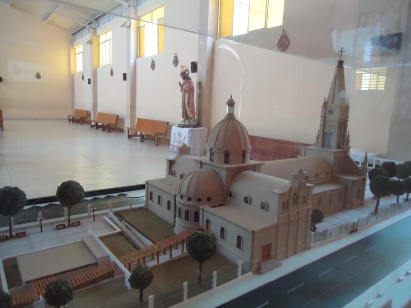 Résultats de recherche d'images pour «maqueta de la iglesia del senor de luren de ica»