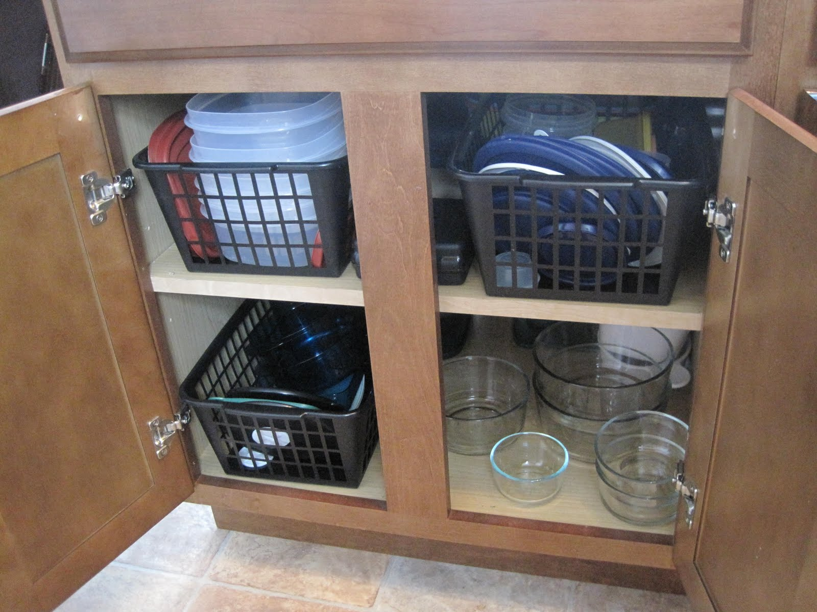 Organizing Tupperware Cabinets