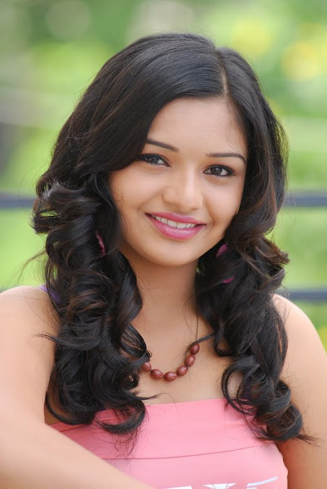 young teen yamini st glamour images