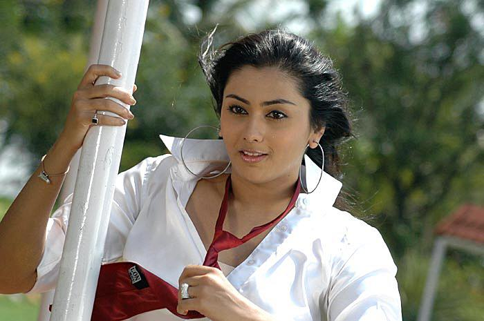 hot mallu masala actress namitha latest pics in white shirt,hot show of her breast