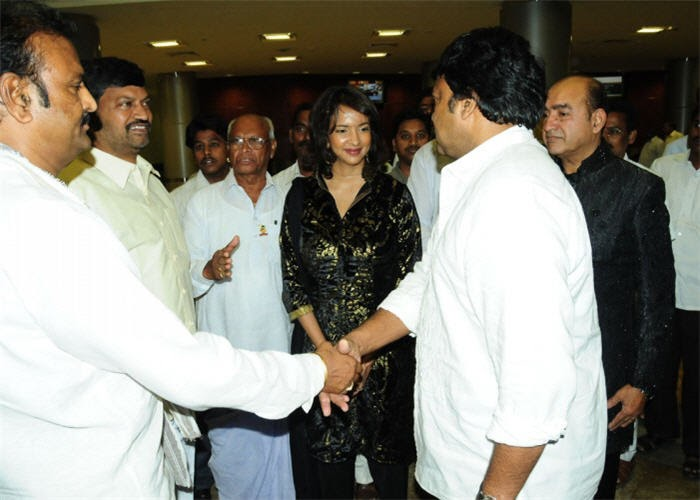 intresting captures at sridevi rahul wedding reception