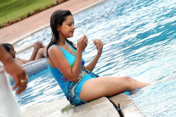 madalasa sharma bikini or swim suit act very photo gallery