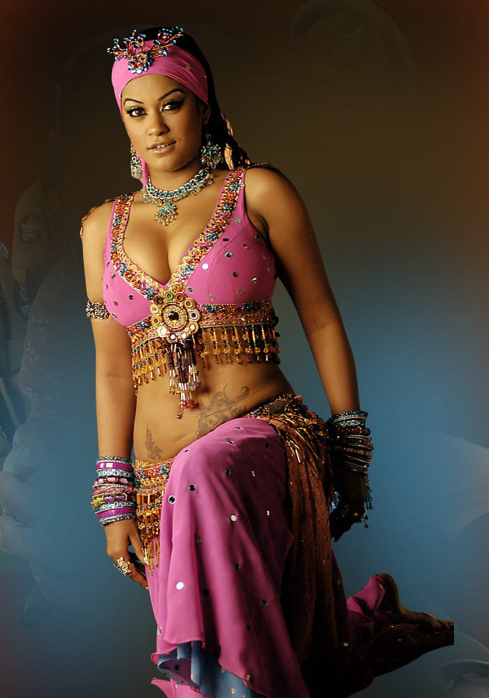 [mumaith+khan.jpg]