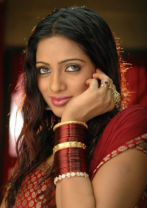 test tv anchor udayabhanu looking hot images