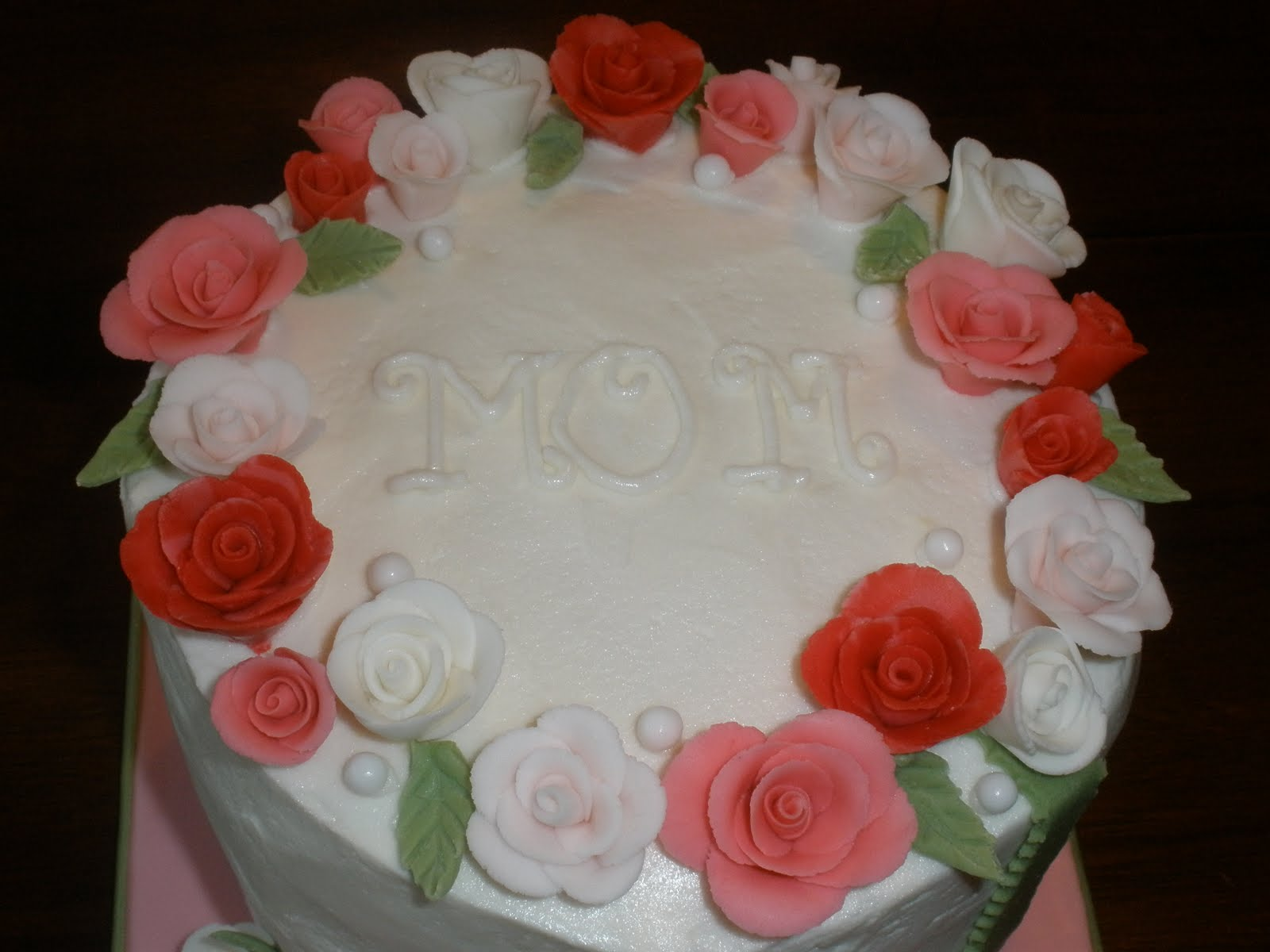 Rose Day Cake Images : It s a piece of cake: Mothers Day Rose Cake