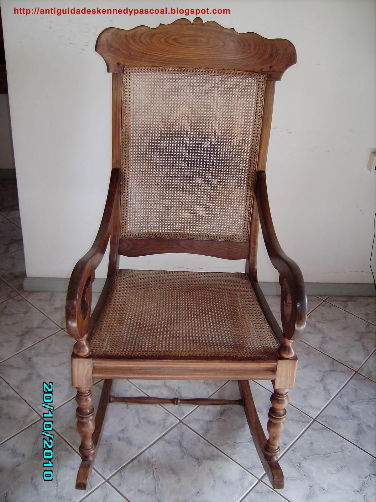 Cadeira de balanço em madeira Gonçalo Alves Séc. XIX. Com  #694638 1200x1600