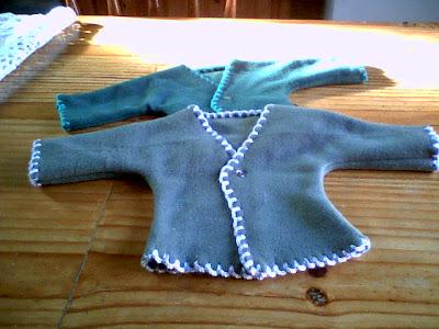 Retazos de amor saquitos de beb con tela polar - Saquitos de tela ...
