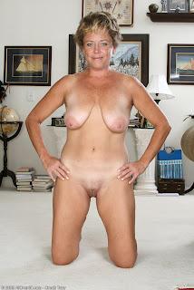kåta mogna damer sexiga damer i underkläder