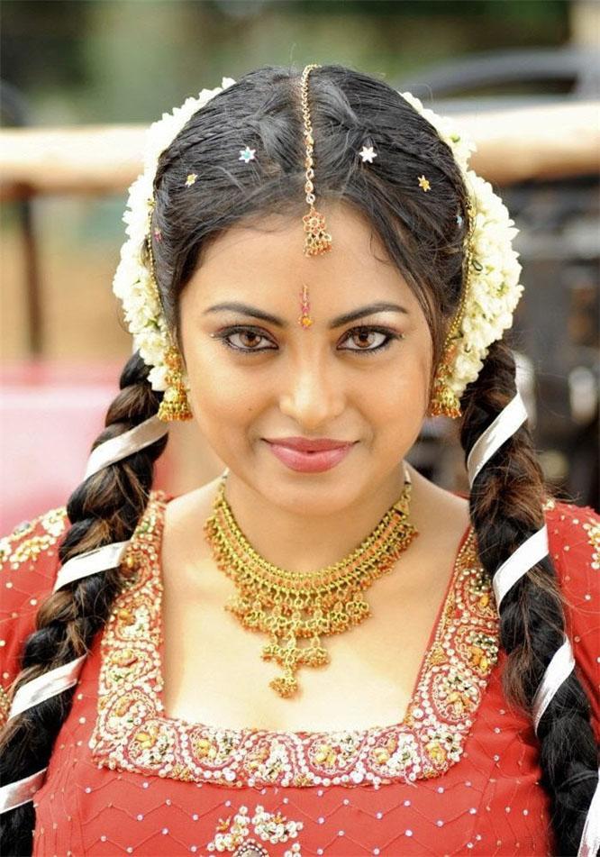 Meenakshi Saree Hot Pics