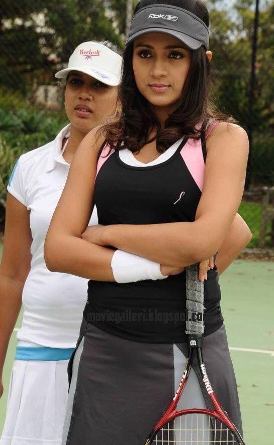 [Trisha+Krishnan+hot+tennis+player+stills+03.jpg]