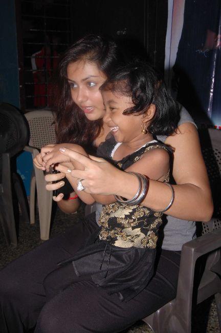 [Namitha+Meets+India+Childrens+Welfare+Association+9.jpg]