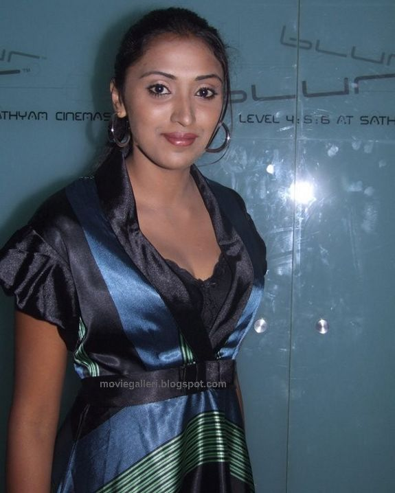 [Megha+Nair+Latest+Sexy+Photo+Gallery+Stills+Pics+Images+2.jpg]