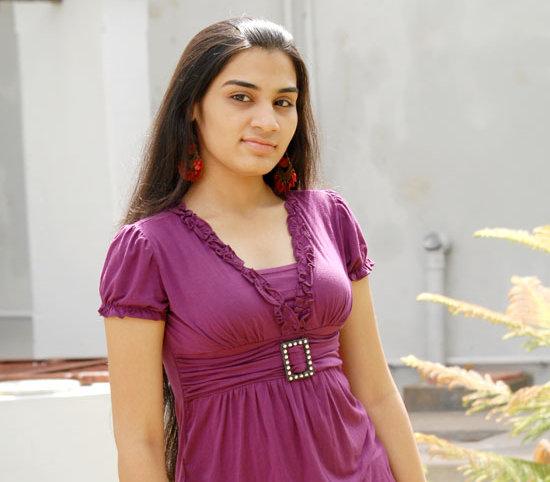 [Siva-Sivaa-tamil-Movie-Actress-Suhani-stills-photo-gallery-04.jpg]