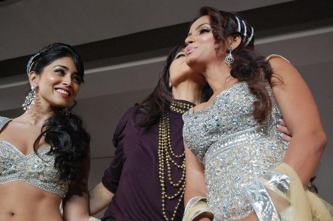 sizzling neetu chandra walk the r actress pics
