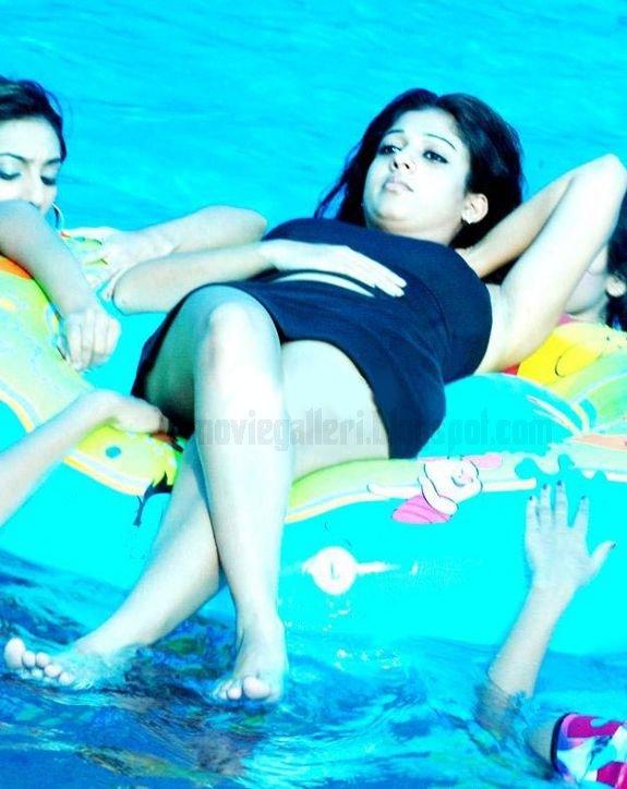 [nayanthara-swimsuit-stills-images-pics-01.jpg]