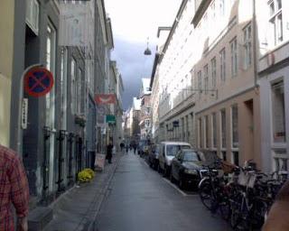 En smal gade i København...