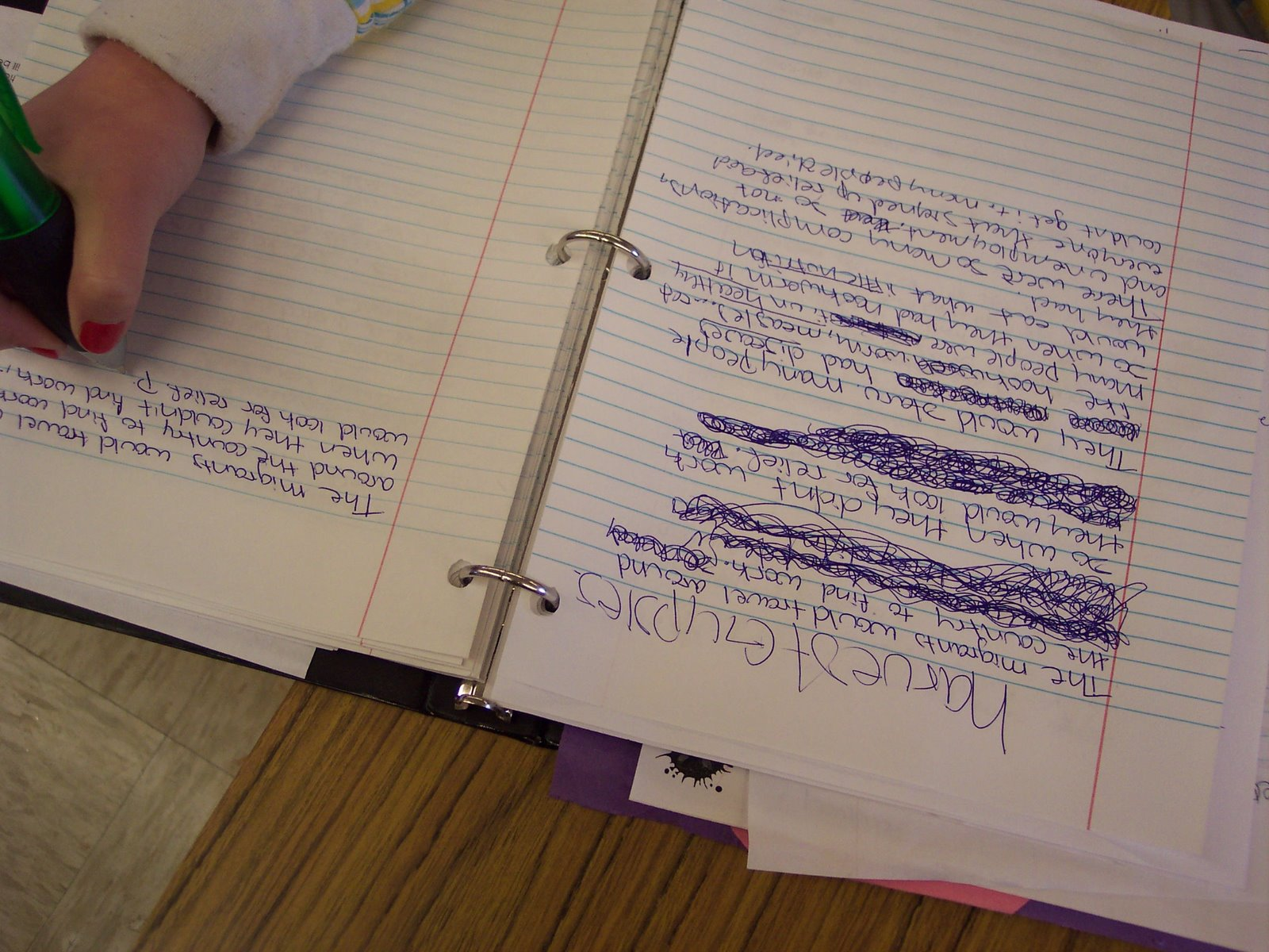 A student uses the GIST to summarize a chapter in the nonfiction text The Harvest Gypsies by John Steinbeck.