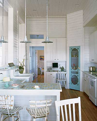 Whitehaven beach house kitchens for Beach kitchen cabinets