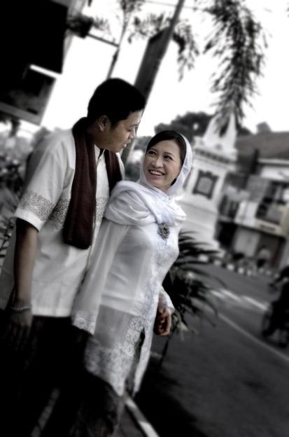 Contoh Foto Pre Wedding Outdoor Indoor Pra Pernikahan Pranikah Image ...