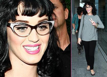 estrellas y musica: Katy Perry entrando al aeropuerto Heathrow