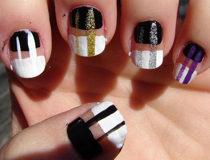 The Kronicles of a Konad-er: Milani Nail Art Lacquer Stripers