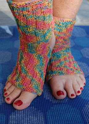 Easy Knitting Pattern For Yoga Socks : Junie Moon: Knit Some Yoga Socks
