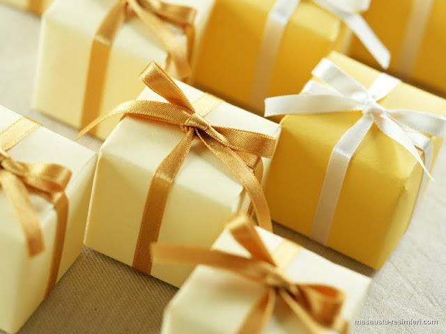 Говорят что лучший подарок это сделанный своими.