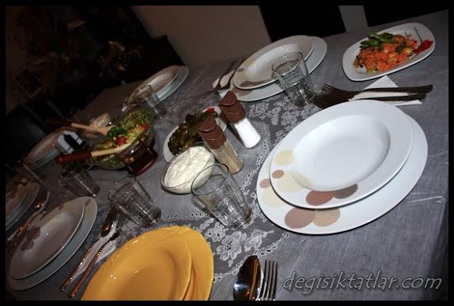 1 Kahvaltı ,1 Akşam Sofrası