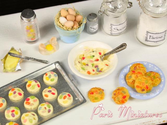 [Easter-cookies-miniature-food-2.JPG]