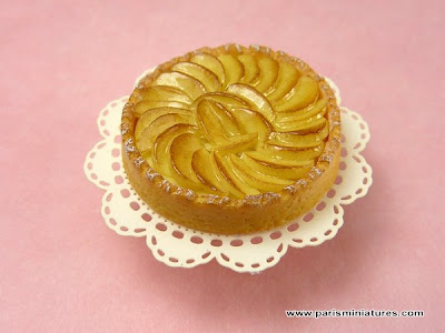 Miniature apple tart from Emmaflam and Miniman