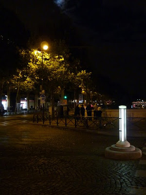 Rue Pont Neuf, Paris at night