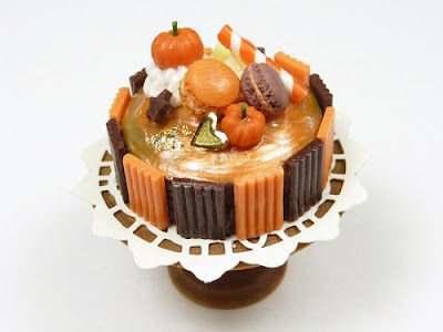 Miniature Food - Halloween, Autumn, Thanksgiving Miniature Cake by Emmaflam - Paris Miniatures