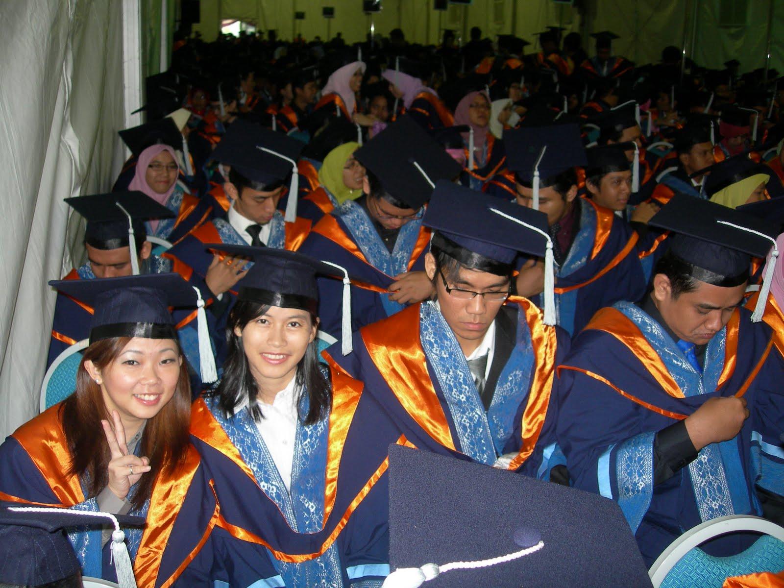 1 malaysia menjana transformasi pendidikan karangan lengkap Wisma tiga tingkat dinamakan wisma dato sani di klang sentral itu serba lengkap  itu menjana satu transformasi  kalau bukan penyanyi no 1 malaysia,.