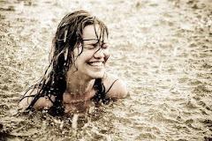 Uma das mais saborosas sensações de liberdade que eu conheço é flagrar meu coração feliz...