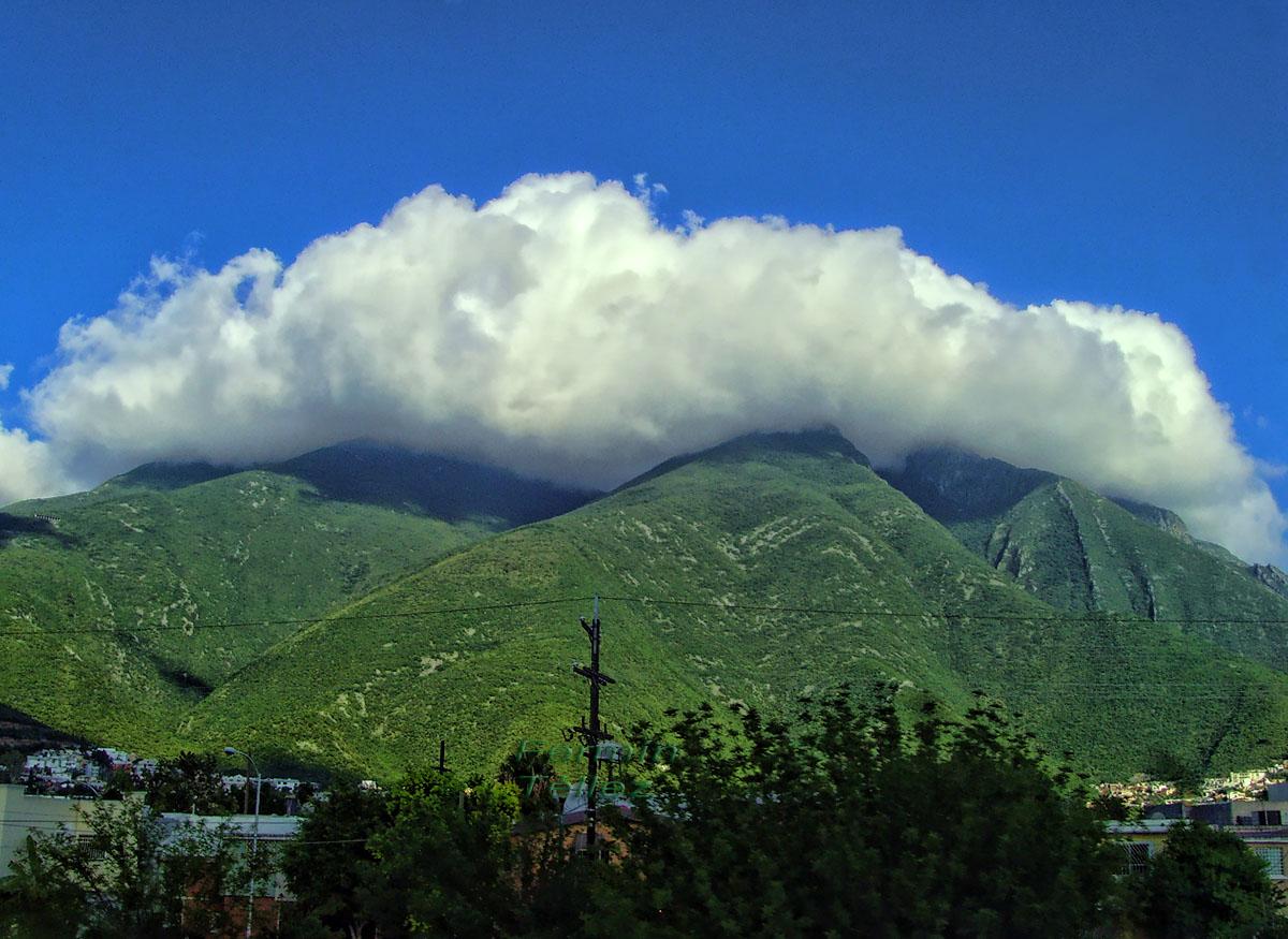 Monterrey m xico hurac n alex una semana despu s for Sillas para iglesias en monterrey
