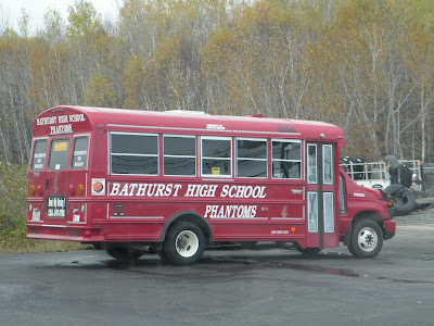 The province's main political parties disagree whether the drivers of passenger buses such as this one should be required to possess a Class 2 licence, especially to drive students to extracurricular activities