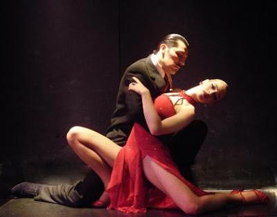 Dançar previne  e auxilia no tratamento de doenças físicas e mentais