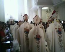 Prosesi para Uskup
