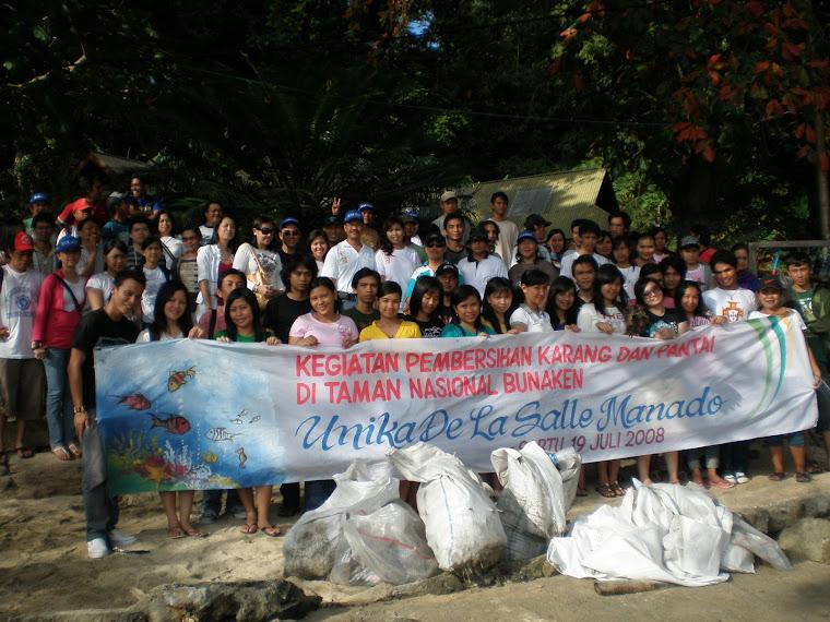 Kegiatan Bersih Karang di TN Bunaken