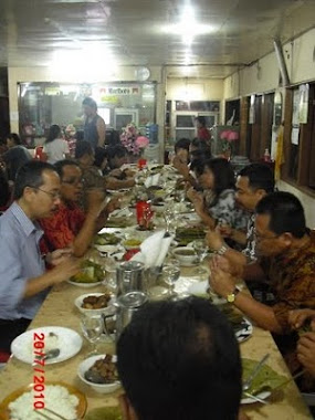 dinner at Tinoor Jaya