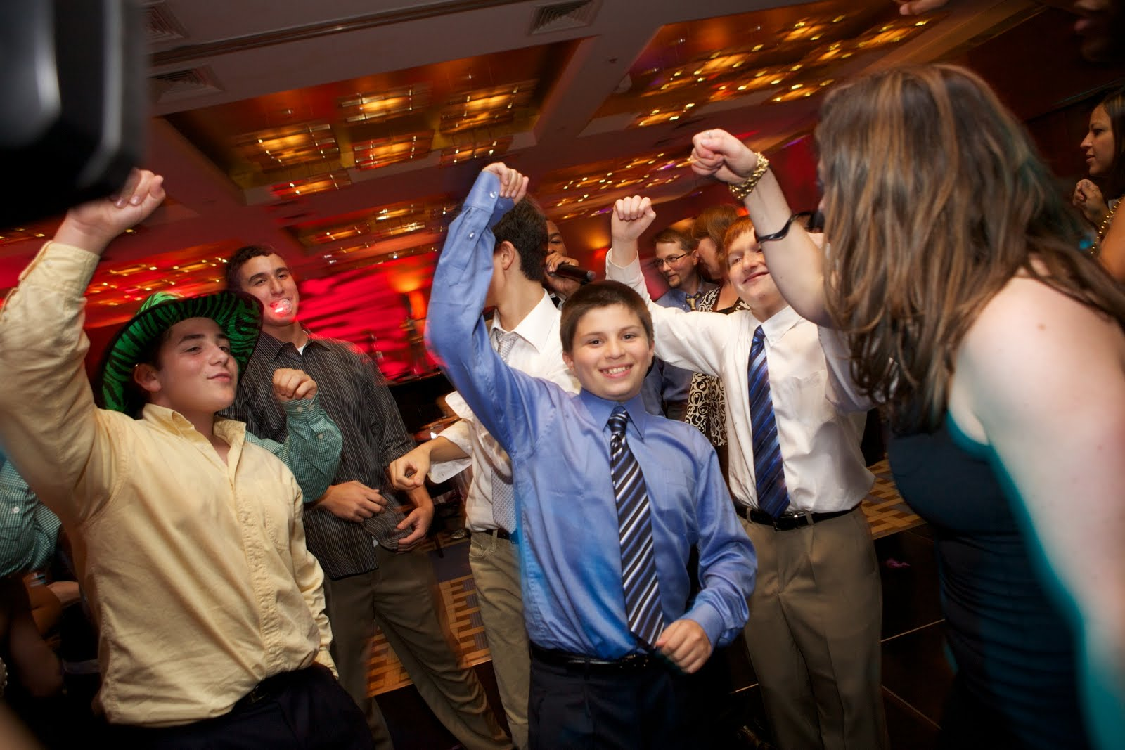 how to celebrate bar mitzvah