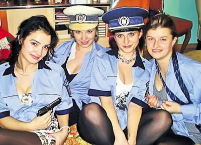 chicas policias sexys