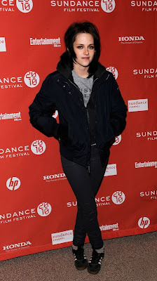 Runaways Kristen Stewart on Fans Twilight Saga  Kristen Stewart Si Dakota Fanning     Imagini De