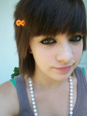 short emo girl hairstyles. pictures emo haircuts for