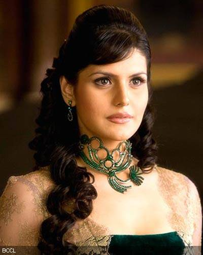 zarine khan hot pics bikini. Zareen khan Hot photos