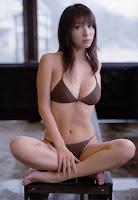 Sexy Bikini Posed From Emi Kobayashi