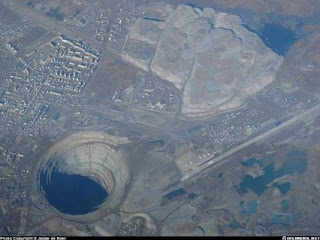 The Gaint Hole in Eastern Siberia pics images pictures photos gallery